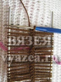 Вязание на вилке крючком