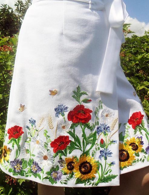Украшение вышивкой лентами одежды