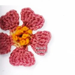 Цветок шиповник крючком