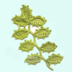 Ветка с острыми листьями крючком