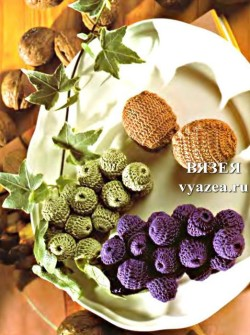 Виноград и орехи крючком
